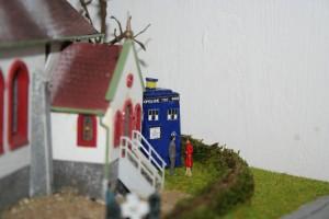 Die Tardis von Doctor Who ist auch gelandet.